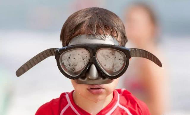 如何保持面镜使用不起雾?