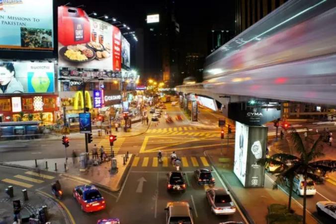 除了美食,还有购物,一个掩埋在南洋的购物天堂——吉隆坡