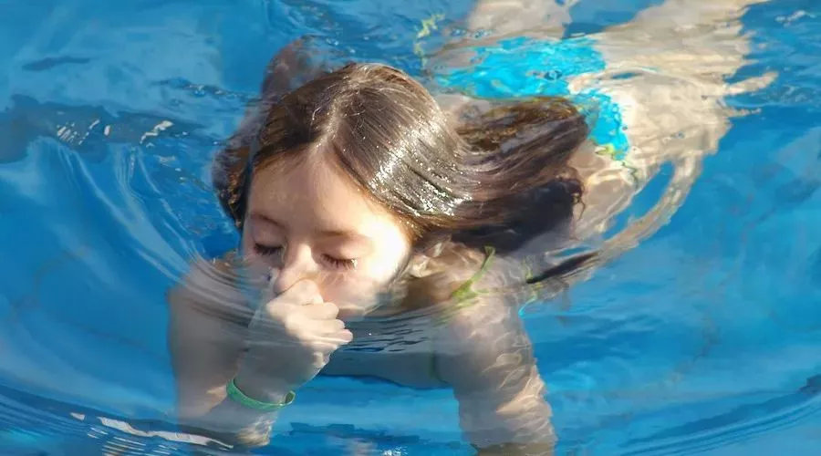三分钟潜水教程| 水下到底如何呼吸?最详细的手把手教学